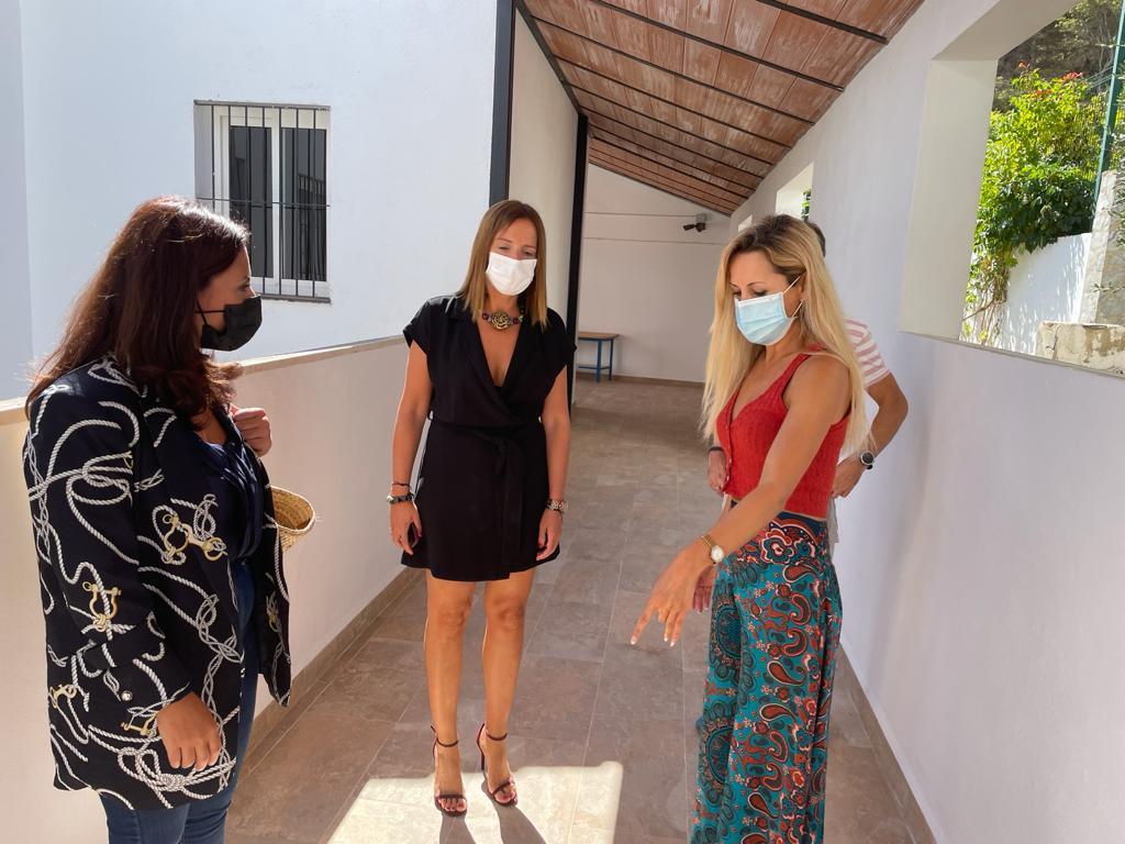 Ana Carrera e Isabel Moreno revisan actuaciones del Plan.