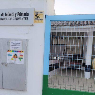 Exigen a la Junta personal docente para alumnos con necesidades específicas del colegio Miguel de Cervantes de Olvera